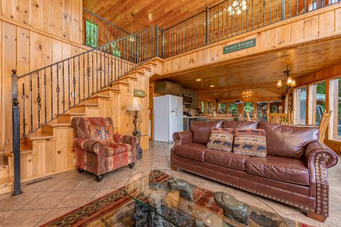 3 bedroom cabin with sleeper sofa and fireplace - A Tennessee Delight