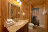Rustic cabin with 3 bedrooms and 3 baths