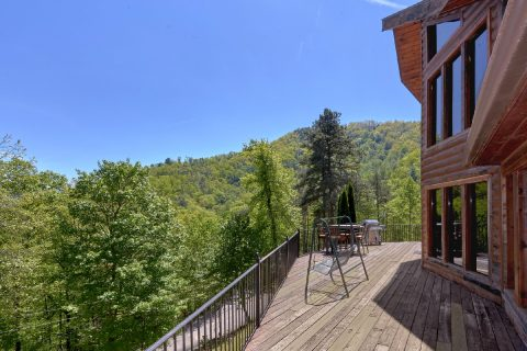 3 bedroom cabin with Resort pool access - A Tennessee Delight