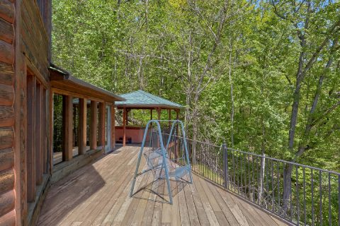 3 bedroom cabin with Gazebo and Hot Tub - A Tennessee Delight