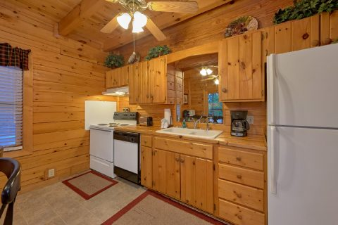 Rustic 2 bedroom cabin with full kitchen - A Twilight Hideaway