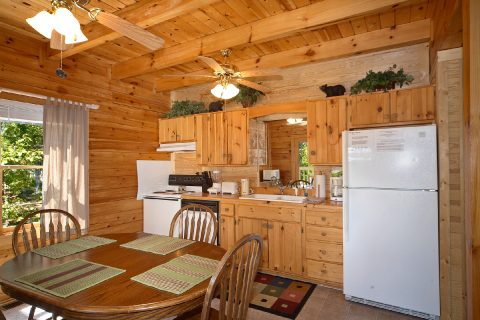 2 Bedroom 3 Bath Cabin Sleeps 6 - A Twilight Hideaway