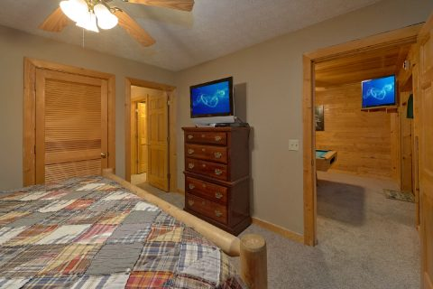 Master Bedroom with King Bed and Private Bath - A Twilight Hideaway