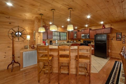 5 bedroom cabin with dining area for 14 - A View From Above
