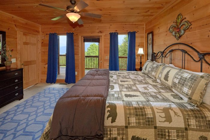 Gatlinburg Cabin with 4 Master King Bedrooms - A View From Above