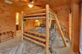 5 bedroom cabin with Queen Bunk Beds for 4