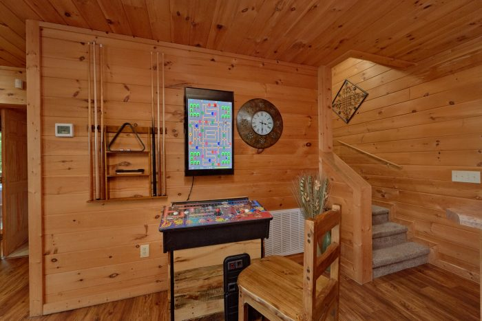 Gatlinburg Cabin with Game room and 3 Arcades - A View From Above