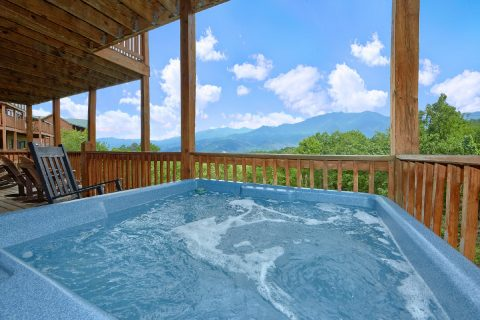 5 bedroom luxury cabin with Hot Tub and View - A View From Above