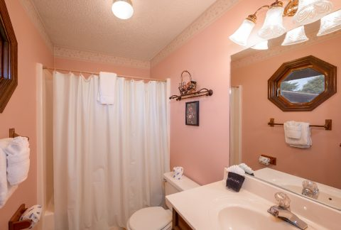 Private Master Bath in 3 bedroom vacation rental - A View of Paradise