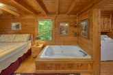 2 Bedroom Cabin with Jacuzzi in Master Bedroom