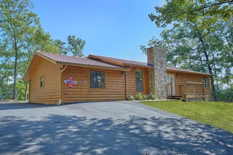 3 bedroom Cabin with Private Deck and Views - Above the Rest