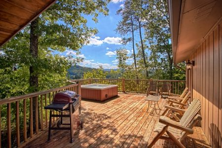 Hillside Haven: 3 Bedroom Pigeon Forge Cabin Rental