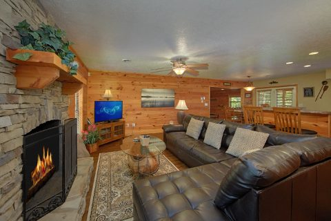 Luxurious Living room with Fireplace and TV - Above the Rest