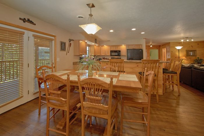 Spacious Dining Room in 3 Bedroom Cabin - Above the Rest