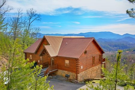 Makin' Waves: 5 Bedroom Sevierville Cabin Rental