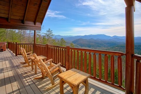 Private Cabin with Mountain Views from decks - Above The Smokies