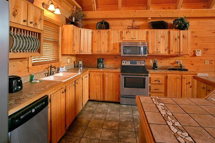 5 Bedroom Luxury Cabin with Full Kitchen - Above The Smokies