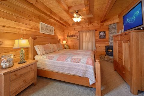 Cabin with King Sized Master Bedroom - Absolute Delight