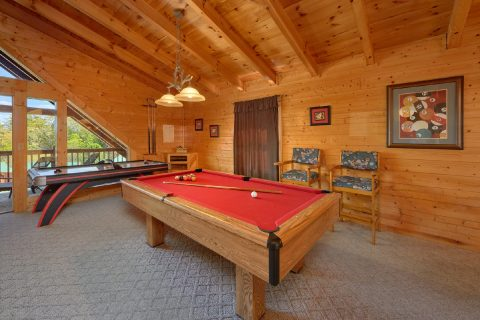 Luxury Cabin with Pool Table in Game Room - Absolute Delight