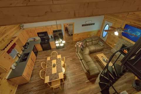 2 Bedroom Cabin with Washer and Dryer - Absolute Heaven