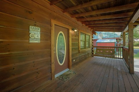 2 bedroom cabin with porch swing and Fire Pit - Absolute Heaven