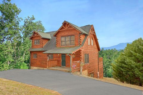 Luxury cabin with 4 bedrooms and mountain view - Absolutely Viewtiful