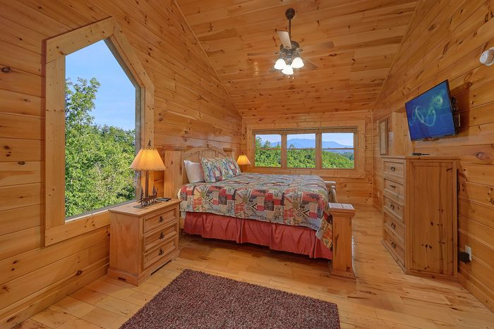 Cabin with Walk in Shower - Absolutely Viewtiful