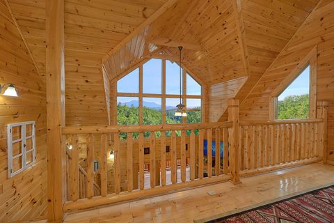 Premium 4 bedroom cabin with Mountain Views - Absolutely Viewtiful