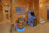 Luxurious 4 bedroom cabin with Arcade Games