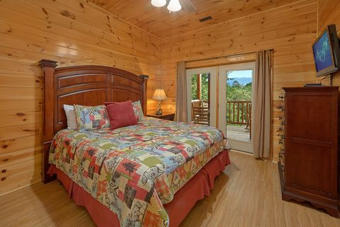 Premium cabin with 3 King bedrooms - Absolutely Viewtiful
