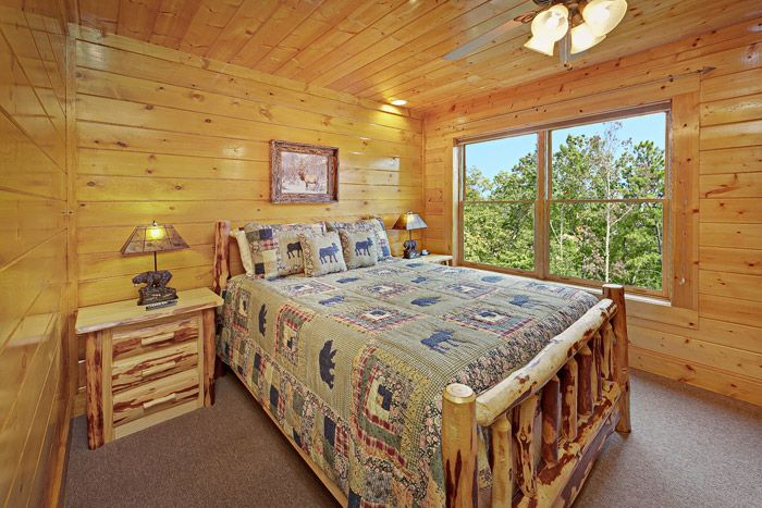 Cabin with Queen Bed - Adventure Lodge