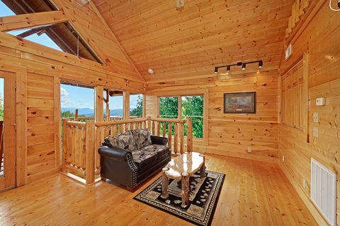 Cabin with Views - Adventure Lodge
