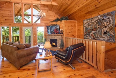 Luxury 1 Bedroom Cabin with Flatscreen TV - Ah-Mazing