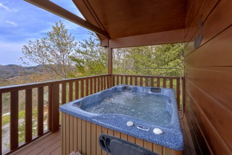 1 Bedroom Cabin with Hot Tub and View - Ah-Mazing