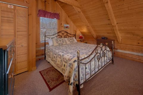 Oversize 1 bedroom cabin with King Bed in loft - All By Grace
