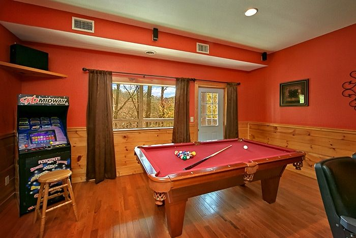 Cabin with Billiard Room and Arcade Game - Almost Heaven