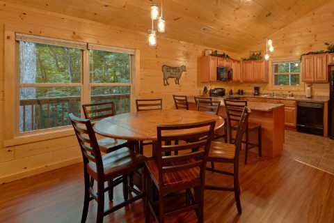 Luxurious 3 Bedroom Cabin with Dining for 9 - Almost Paradise