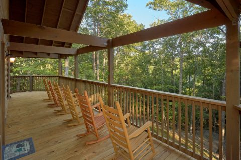 Pigeon Forge Cabin with Wooded View - Almost Paradise