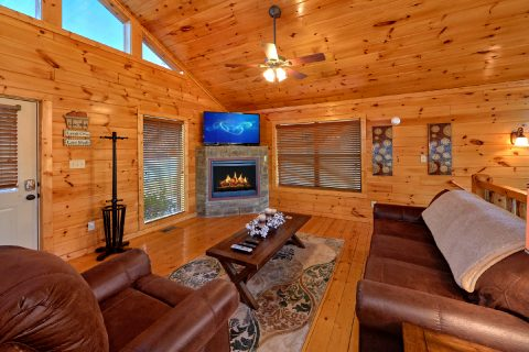 Beauitful 2 Bedroom Cabin Sleeps 8 - Almost There