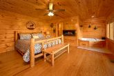 Cabin with a Luxurious Master King Suite