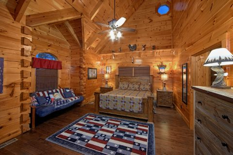Luxury Cabin with Private King Bedroom and Bath - Alpine Mountain Lodge