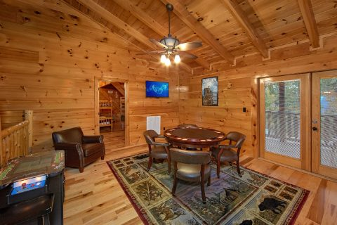 Cabin with 2 Arcade Games and Loft Game Room - Alpine Mountain Lodge