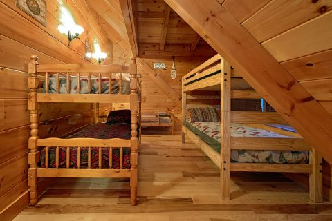 6 Bedroom Cabin with Bunk Bedroom for 6 guests - Alpine Mountain Lodge