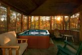 Rustic Cabin with Hot Tub on Screened in Porch