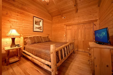 Premium 2 Bedroom cabin with 2 King Suites - Altitude Adjustment