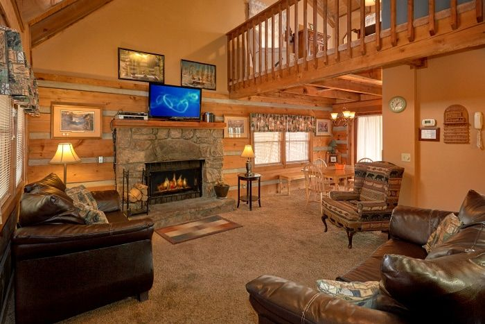 Secluded Cabin with Fireplace and Sleeper Sofa - Amazing Majestic Oaks