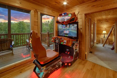 Cabin with Race Car Driving Game and Game Room - Amazing Views to Remember