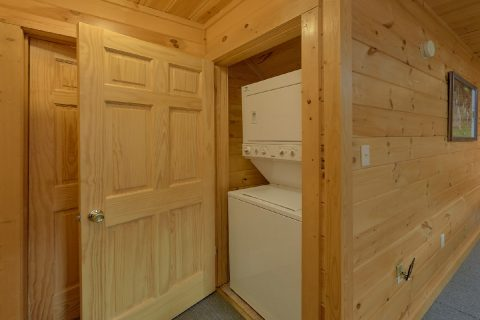 Stack Washer and Dryer 3 Bedroom Cabin - American Honey