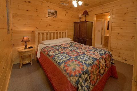3 Bedroom 3 Bath Cabin Sleeps 8 Gatlinburg - American Honey