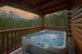 Private Hot Tub 3 Bedroom 3 Bath Cabin